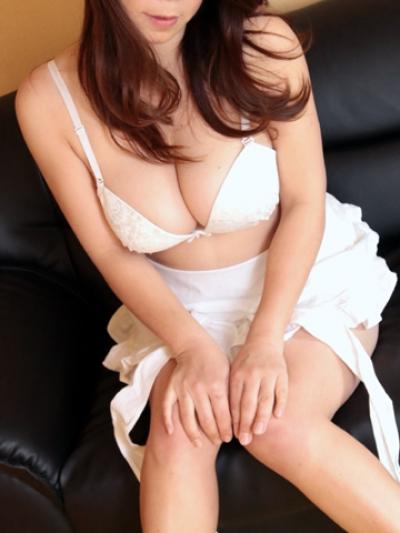 魅惑のFカップ妻『麗華』